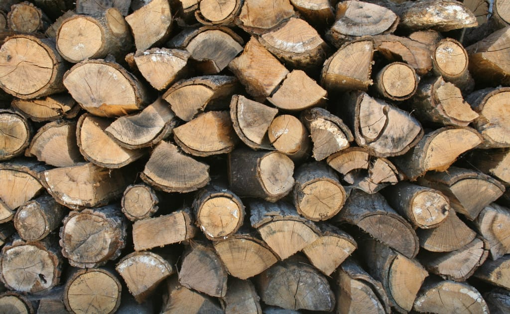 Stack_of_firewood.jpg