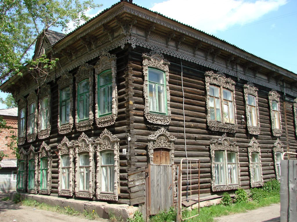 Traditional_Wooden_House_in_Tomsk_-_Siberia_-_Russia_02.JPG